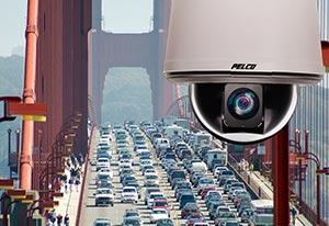 скоростная поворотная видеокамера Pelco серии Enhanced S6220/S6230 в уличном термокожухе с IP66 и температурным минимумом -51 °С