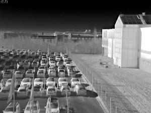 сетевая камера-тепловизор AXIS для круглосуточного видеонаблюдения за большими территориями: пример изображения
